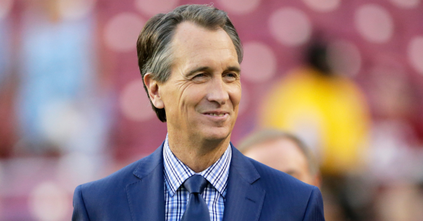 """Cris Collinsworth and His Wife Settled in a """"Dinky Town"""" & Had 4 Kids"""