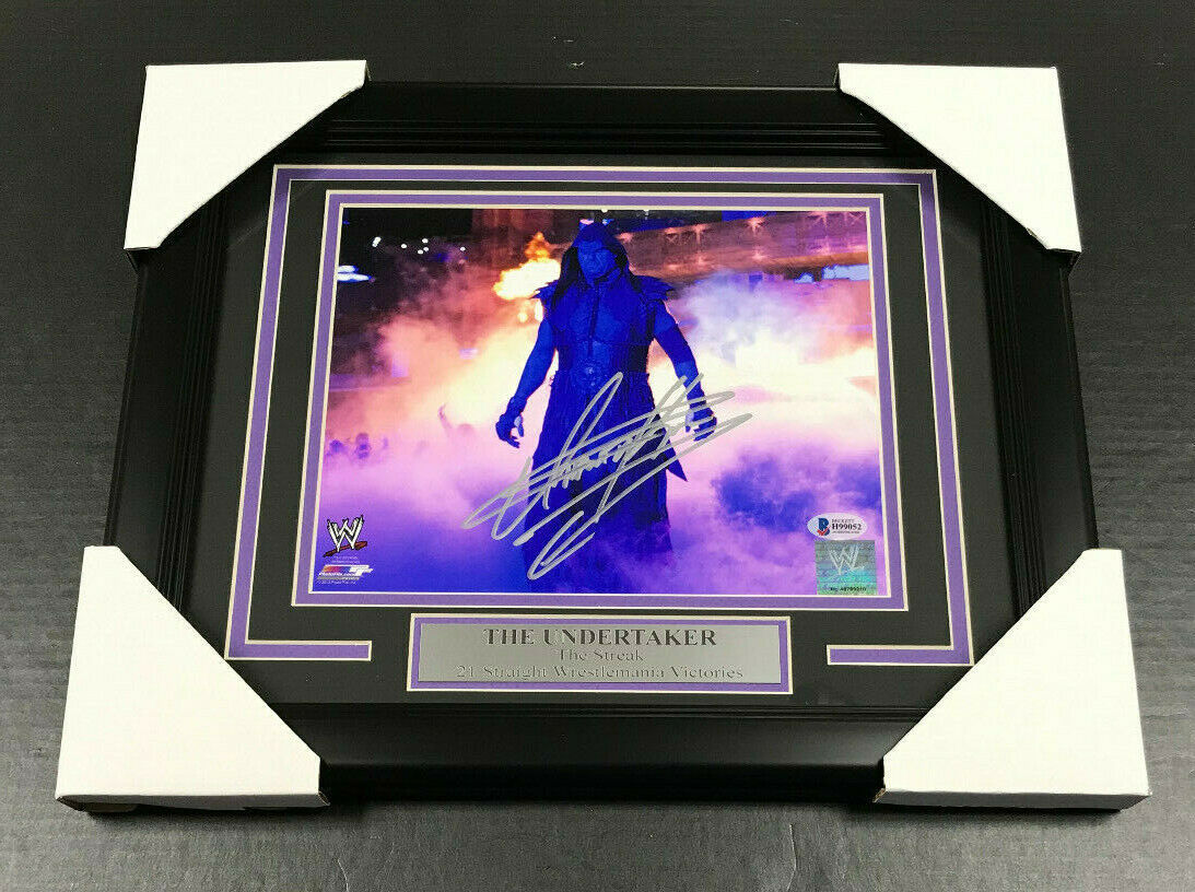 THE UNDERTAKER WWE WWF WRESTLEMANIA AUTOGRAPHED SIGNED 8x10 FRAMED PHOTO BAS COA
