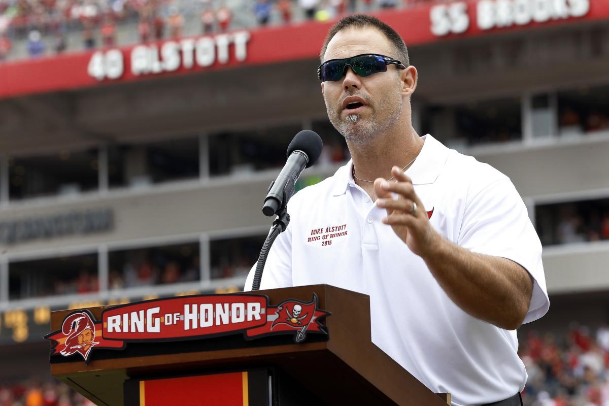 Remember Mike Alstott? He's Now a High School Coach