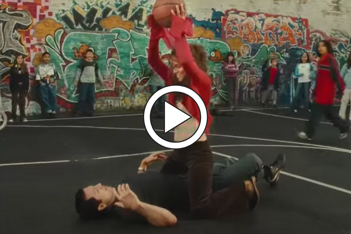 """Halle Berry's """"Catwoman"""" Basketball Scene is… Something"""