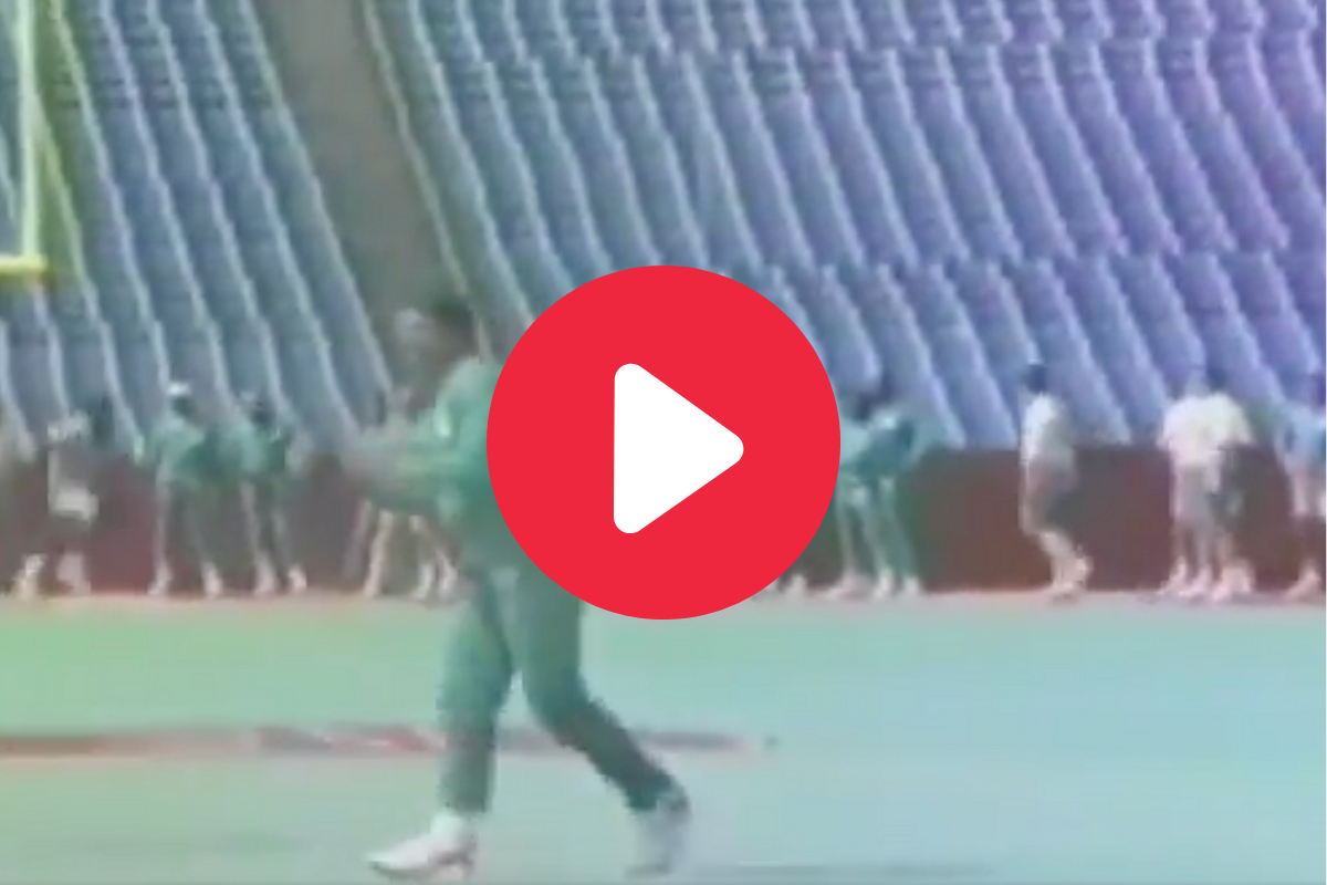 Dan Marino Throws Behind-The-Back 40-Yard Pass in Vintage Video