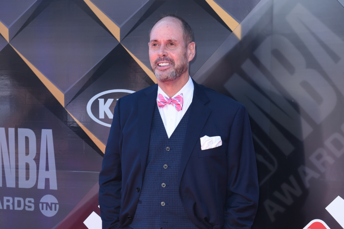Ernie Johnson & His Wife Had 2 Kids and Adopted 4 More
