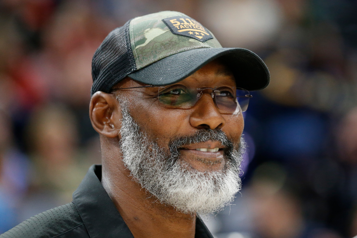 "Karl Malone's Net Worth: How Rich is ""The Mailman"" Today?"