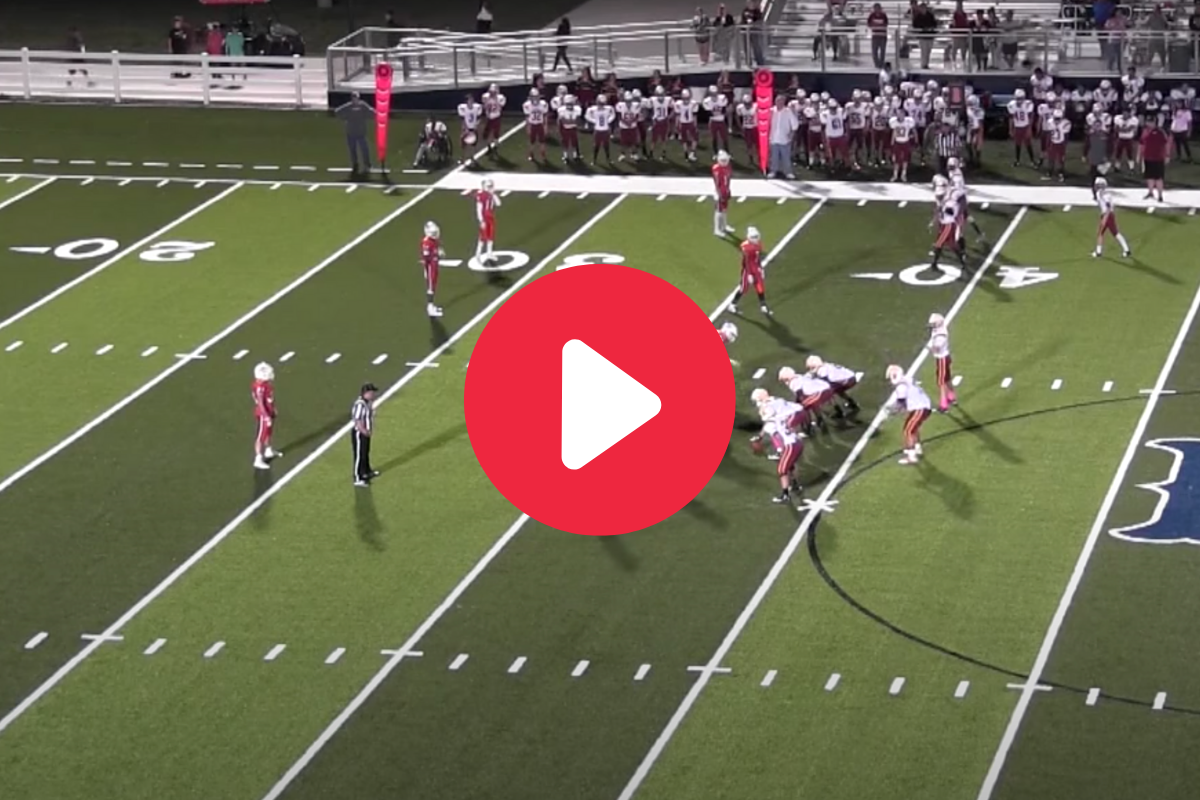 Lineman-to-Lineman Pass Play Became 520 Pounds of Madness