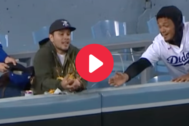 Home Run Explodes Fan's Nachos at Dodgers Game