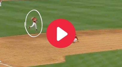 "Alabama Shortstop's ""Jump Throw"" Channeled His Inner Derek Jeter"