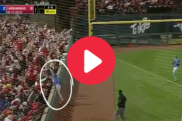 """Kirby McMullen's """"Over-The-Wall"""" Foul Catch Amazed Gator Fans"""