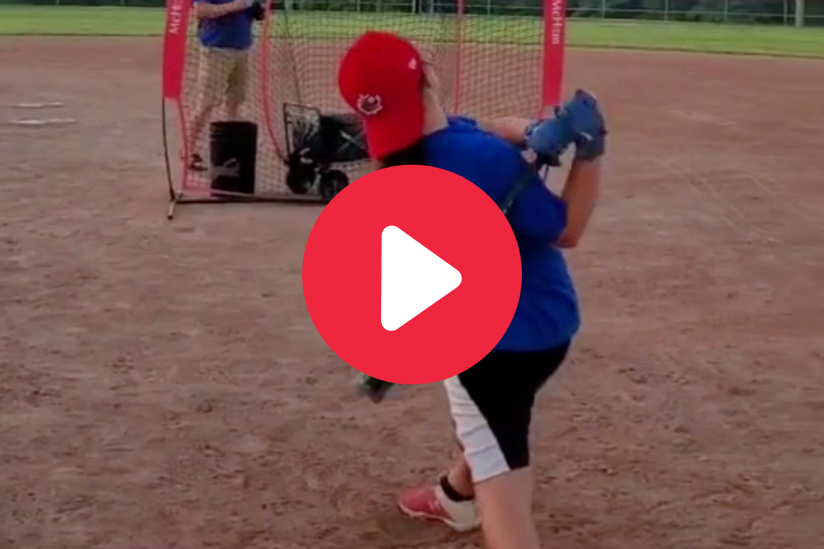 10-Year-Old Girl's Baseball Swing is a Thing of Beauty