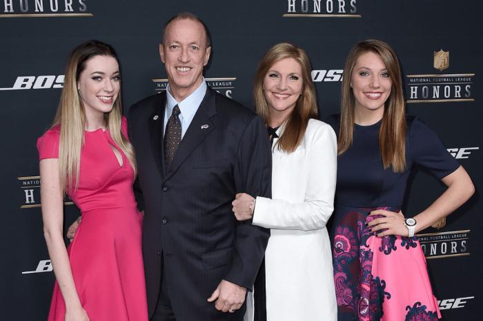 Jim Kelly's Family Uses Faith to Overcome Tragedy & Hardships