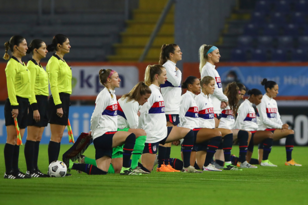 U.S. Women's Soccer Team Kneels Before First Olympic Match