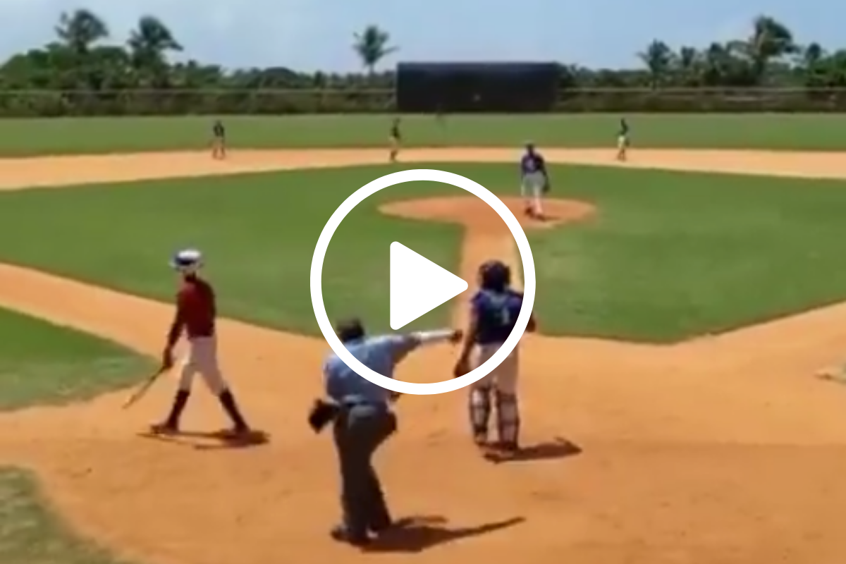 """Umpire Breaks Out """"Floss"""" Dance During Hilarious Strikeout Call"""