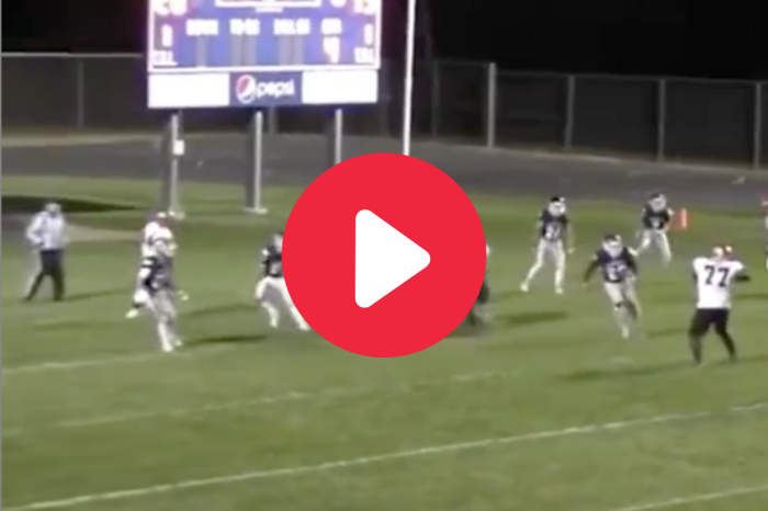 335-Pound Offensive Lineman Tosses a Dime in Wild Trick Play